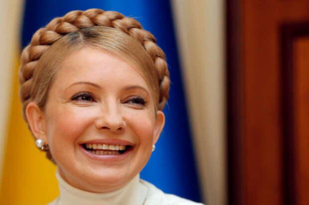 """Сеть """"порвал"""" ролик с Тимошенко, смеющейся над зомбированным украинским школьником"""