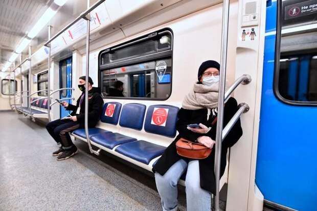 Пассажиры Замоскворецкой линии метро купили больше всего масок и перчаток