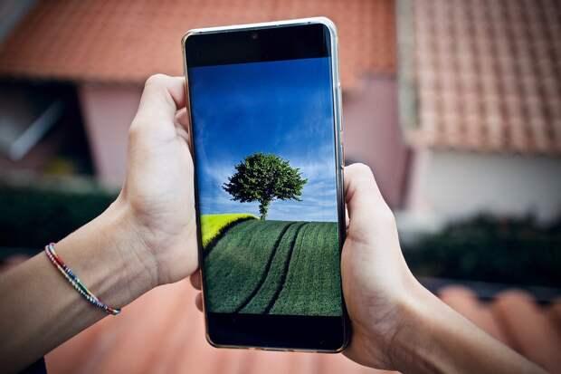 Физик рассказал, может ли излучение от смартфона вызвать рак