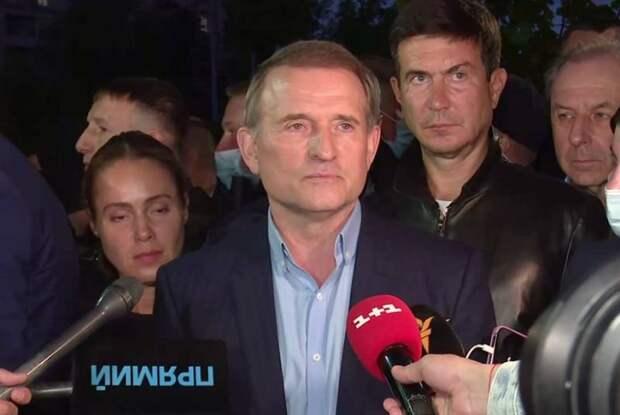 Из-за судебных ограничений Медведчук не сможет участвовать в политической жизни Украины