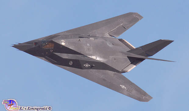 Военный разведчик Lockheed F-117 Stealth