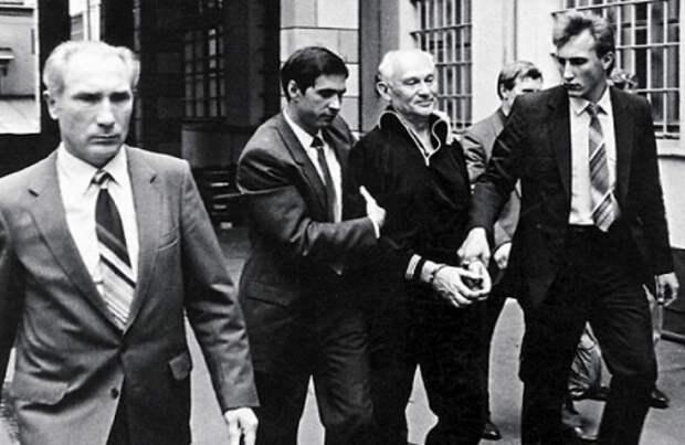 Крот «Бурбон»: кем был главный предатель советской разведки