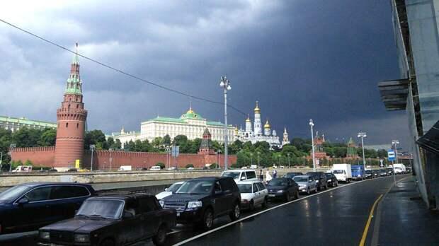 Москвичей предупредили о проливном дожде до 9 мая