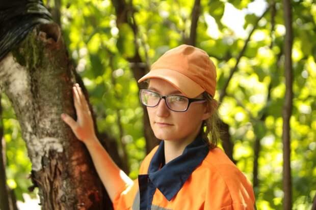 Сотрудники «Жилищника» в Куркине спасли птенцов