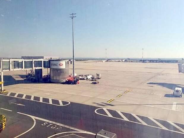 В Госдуму внесен законопроект об упрощенной регистрации домов возле аэропортов