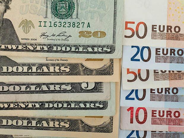 Реальный эффективный курс рубля снизился в апреле