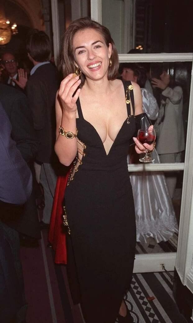 Голая известность: какие откровенные наряды прославили знаменитых актрис имоделей