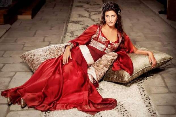 10 самых сексуальных турецких актрис