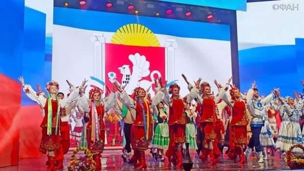Завораживающий и яркий концерт с участием группы «Любэ» состоялся в Ялте
