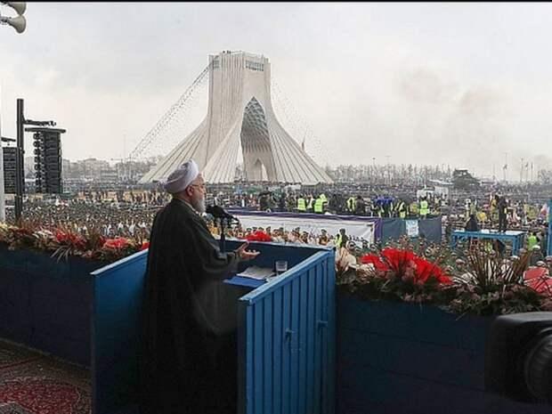 Иран с июля начнет принимать без виз организованные группы российских туристов
