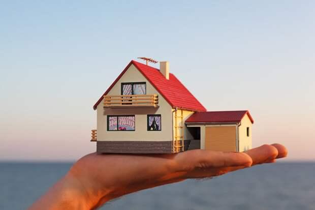 макет дома у моря