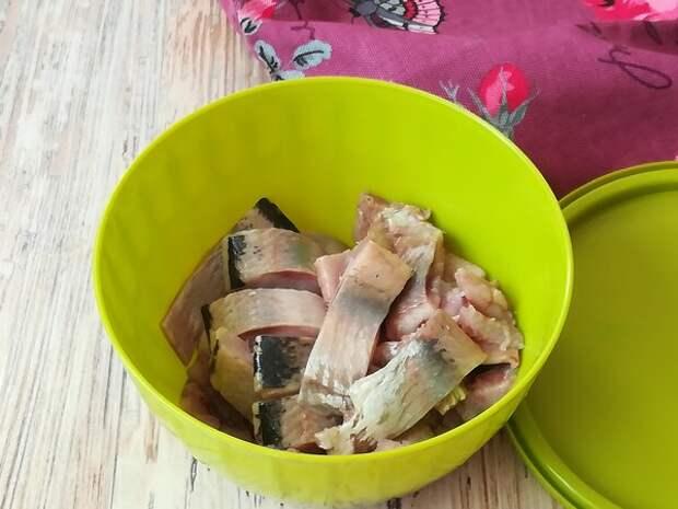 Вкуснейшая маринованная селедка всего за 3 часа