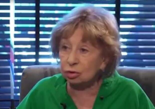 Украина наградила Ахеджакову титулом «гениальная» за нападки на Россию