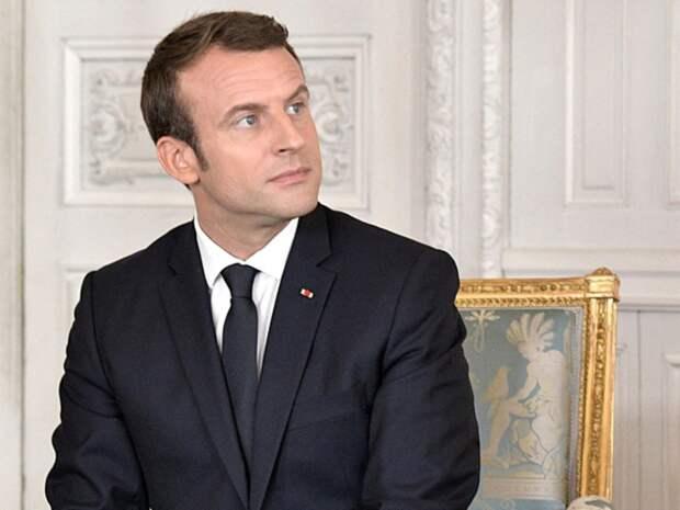 Ударившего Макрона по лицу француза приговорили к 4 месяцам тюрьмы