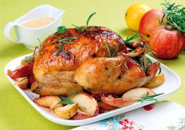 Шеф-повар назвал части курицы, которые лучше не есть