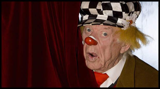 Легендарный клоун Олег Попов умер 2 ноября на 87-м году жизни.