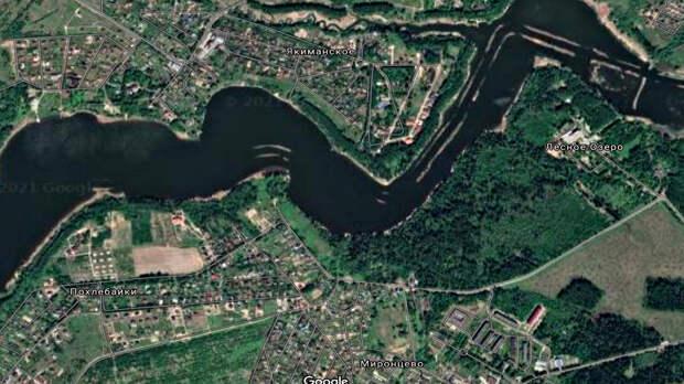То самое место, где собирались построить «Город Ангелов». Источник: Google Maps