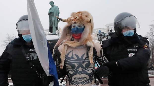 Перепутал Навального с Суворовым: Полицейский предал сослуживцев, потому что плохо учился
