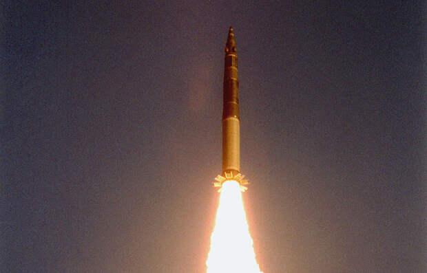 Картинки по запросу 26 сентября ракету «Тополь»