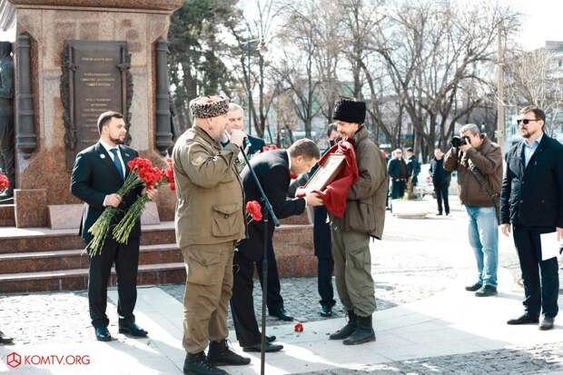 Глава ДНР Захарченко посетил Крым в годовщину референдума о присоединении к России 2