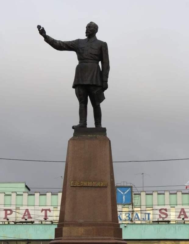 Вернем памятник Ф.Э. Дзержинскому на Лубянскую площадь! (обсуждения)