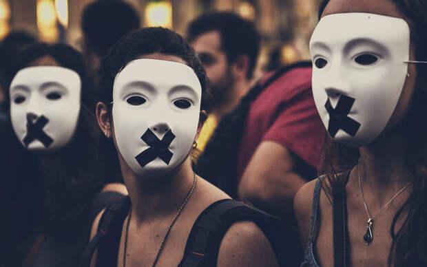 5 нелепых, но реальных причин непопулярности феминизма в России