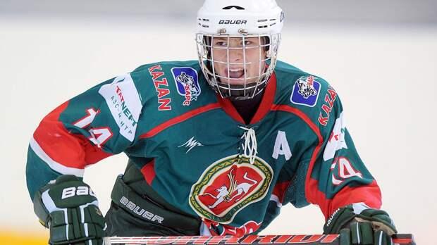 Стал звездой в 14, дедушка и бабушка погибли при землетрясении. Что нужно знать о Свечникове — русском таланте НХЛ