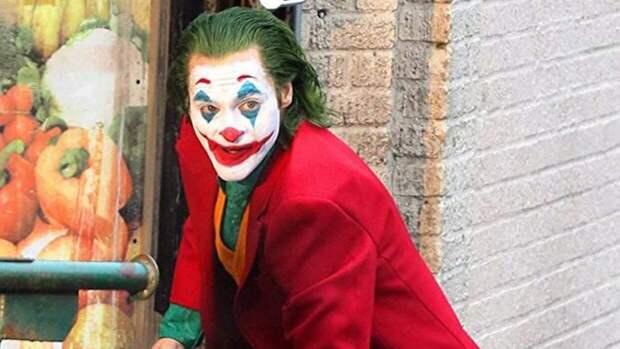 """Сценарий для второго """"Джокера"""" напишет режиссер """"Мальчишника в Вегасе"""""""