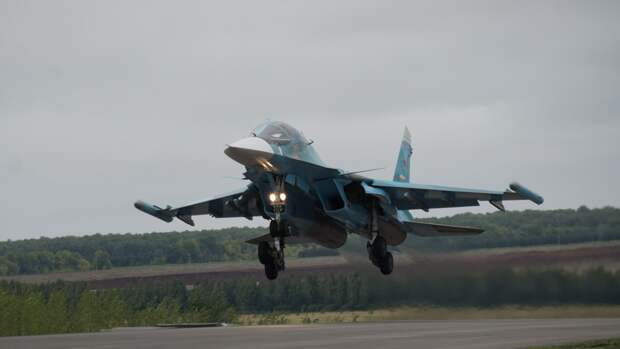 Минобороны РФ разместит эскадрилью Су-34 на арктических островах