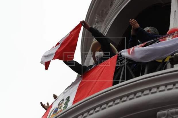 PERÚ ELECCIONES - Castillo lidera las elecciones peruanas con el 100 % de las actas procesadas
