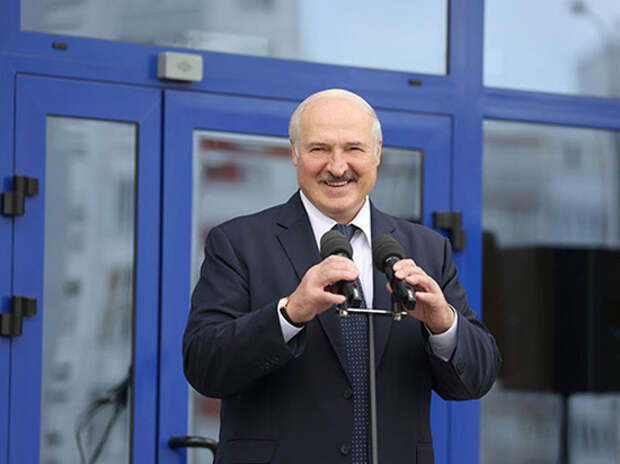 Лукашенко лично победил коронавирус боевым безумием берсерка