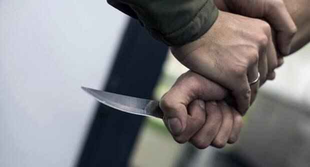 В Стрые мужчина ударил ножом бывшую жену