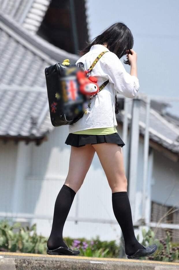 О длине юбок школьниц япония, японский интернет