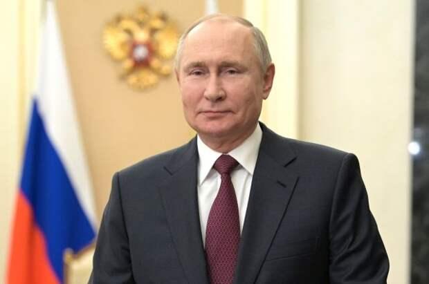 Путин поздравил лидеров стран СНГ и народы Грузии и Украины с Днём Победы
