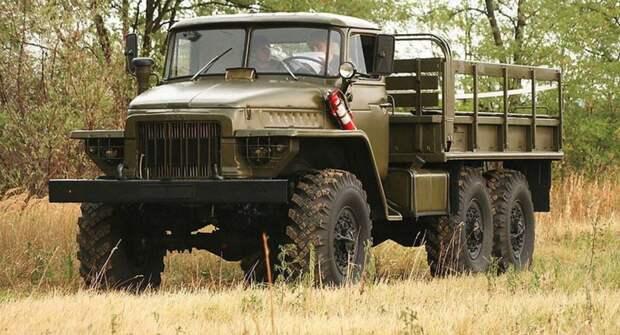 Урал-375 и Урал-4320 — в чем отличия и сходства грузовиков из СССР