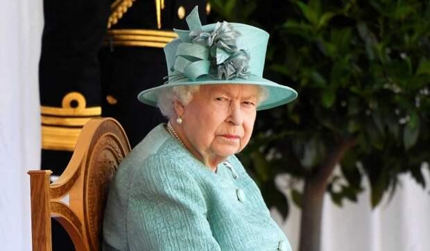 Подданный Елизаветы II вынес из дворца ее имущество и продал за гроши