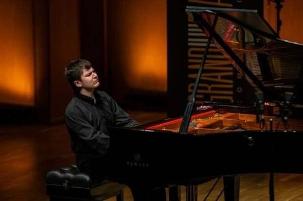 Пианист из Ростова Сергей Давыдченко победил в конкурсе Дениса Мацуева