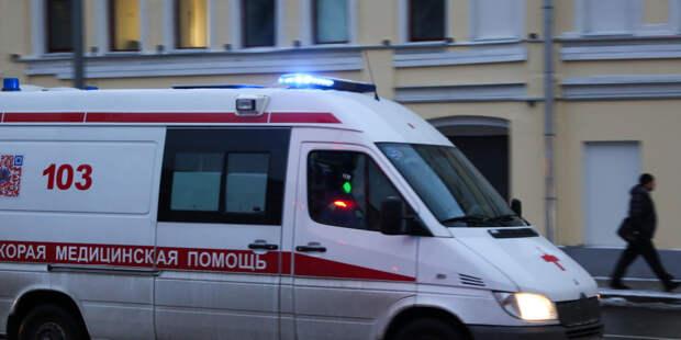 На двухлетнего ребенка в Петербурге упал кусок лепнины