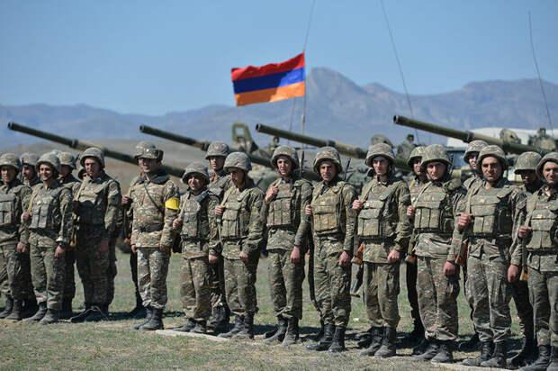 Появилось видео первого столкновения военных на армяно-азербайджанской границе