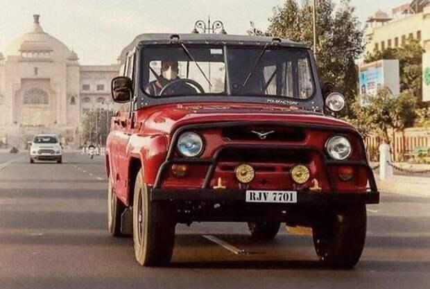 Посмотрите на редкий праворульный УАЗ-469 из Индии