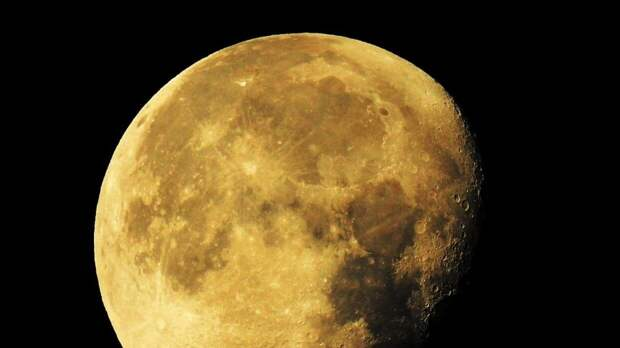 Планы полетов российских космонавтов на Луну обсудили на совещании с Путиным