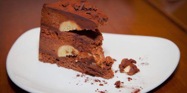 Парижские кондитеры приготовили самый большой торт «Опера»