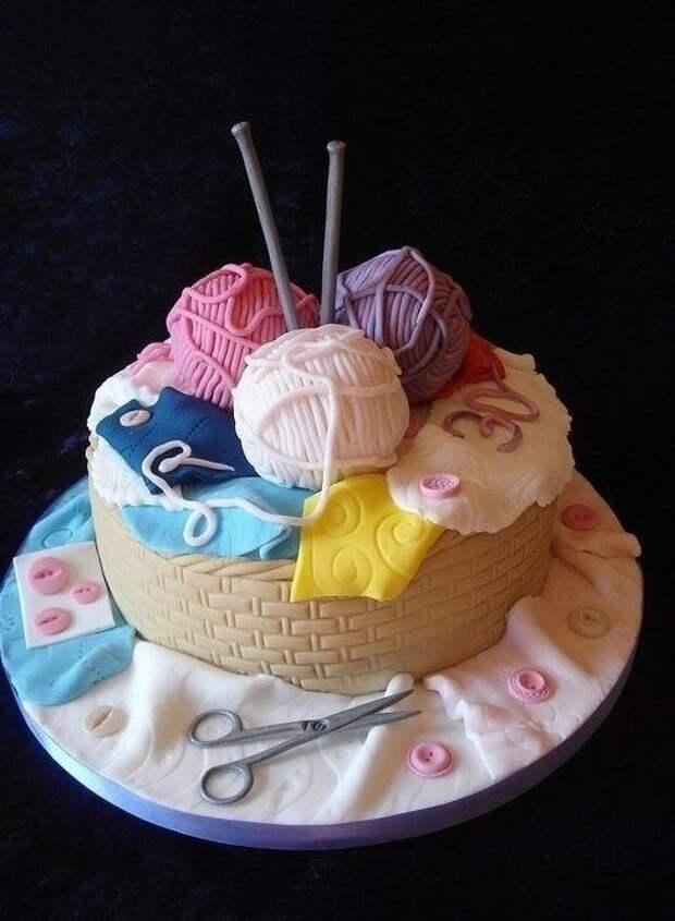 Кондитеры не перестают удивлять. Столько тортиков придумали для рукодельниц!