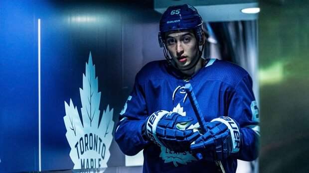 «Деньги не всегда решают все, мой приоритет — НХЛ». Русский хоккеист Михеев — о Канаде, вылете из плей-офф и супе