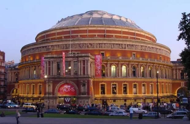 В Альберт-холле состоится первый с начала пандемии концерт с полным залом