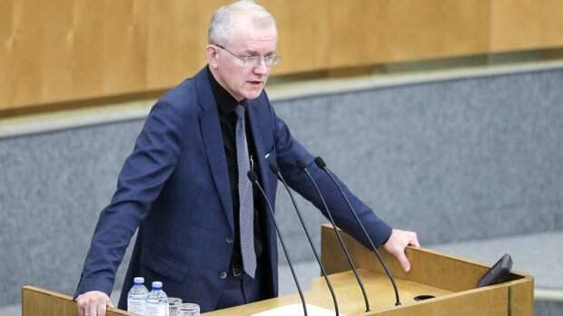 Депутат Шеин назвал победу Трампа невыгодной для России