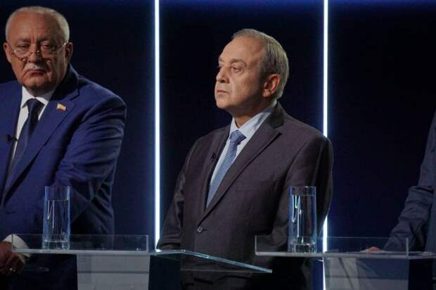Мурадов назвал глупой политику Украины, которая хочет вступить в НАТО с Крымом