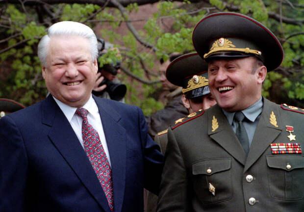 Что хорошего и плохого сделал Ельцин для России, чего больше?