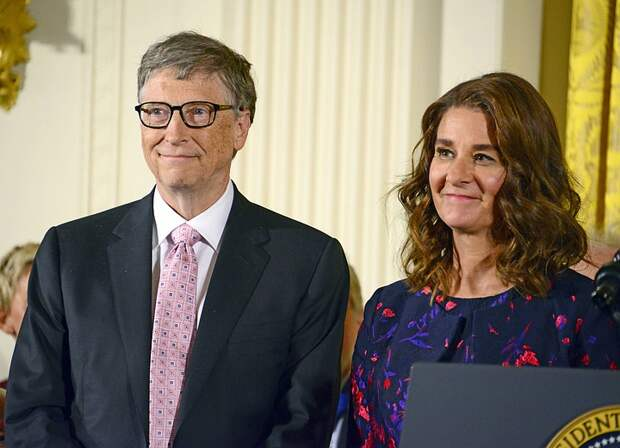 Жена Билла Гейтса получила после развода акции натри миллиарда долларов