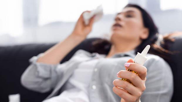 Профессор Чумаков: болеющий ОРВИ не может одновременно заразиться COVID-19